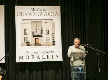 CUARENTA AÑOS DE DEMOCRACIA