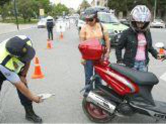CAMPAÑA DE SENSIBILIZACIÓN DE TRÁFICO: CICLOMOTORES Y MOTOCICLETAS