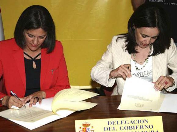 FIRMA DE PROTOCOLO CON EL MINISTERIO DE VIVIENDA.