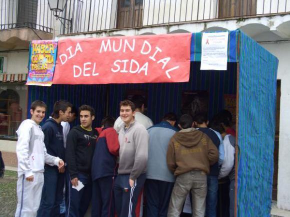 EL PASADO 1 DE DICIEMBRE SE CELEBRÓ EL DÍA INTERNACIONAL CONTRA EL SIDA