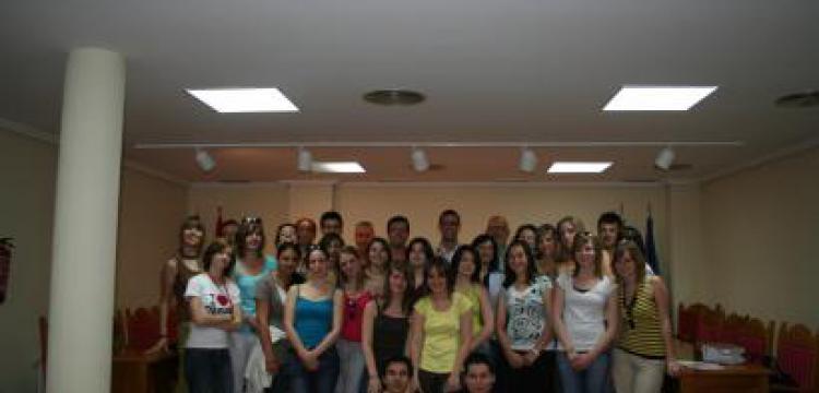 UN GRUPO DE ESTUDIANTES FRANCESES VISITAN MORALEJA