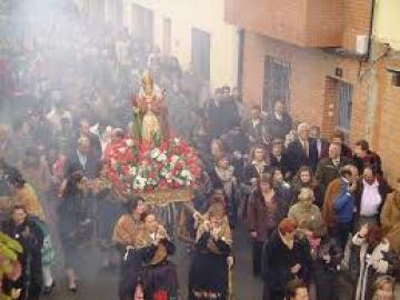 AMPLIACIÓN DE HORARIOS CON MOTIVOS DE LAS FIESTAS DE LAS CANDELAS Y SAN BLAS
